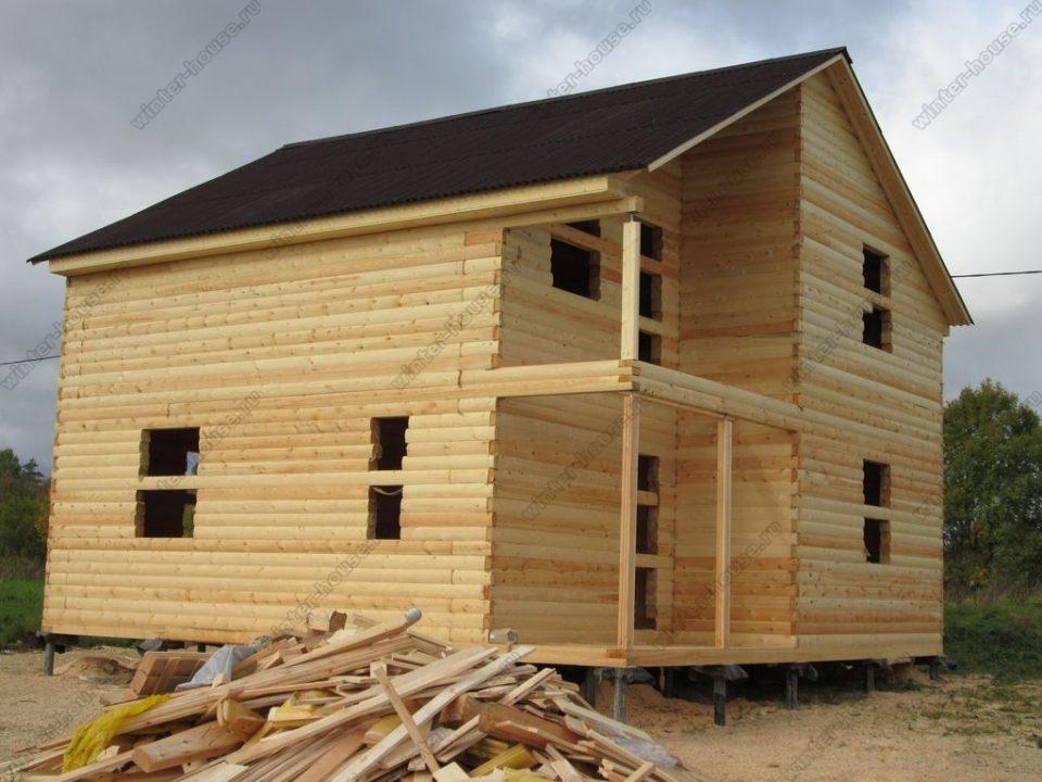 Проект дома 8 на 8 из бруса с верандой