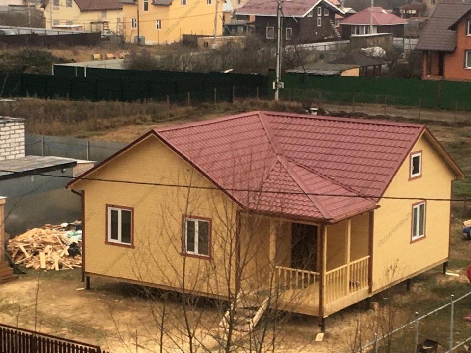 Одноэтажный дом под ключ с четырехскатной крышей фото и проект