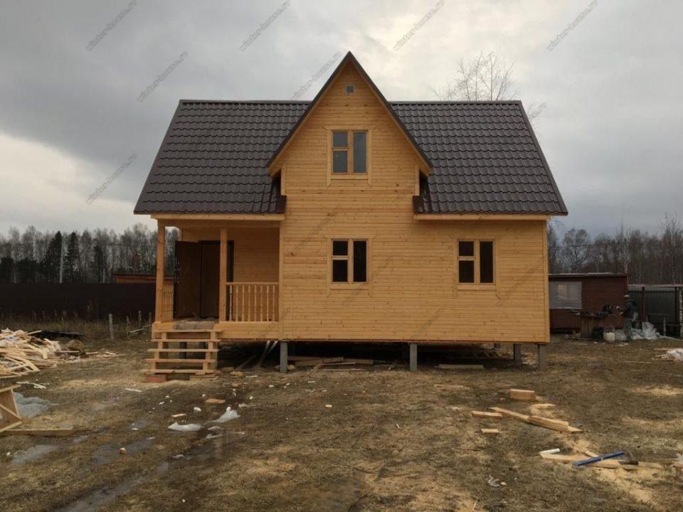 Небольшие каркасные дома с мансардой для постоянного проживания