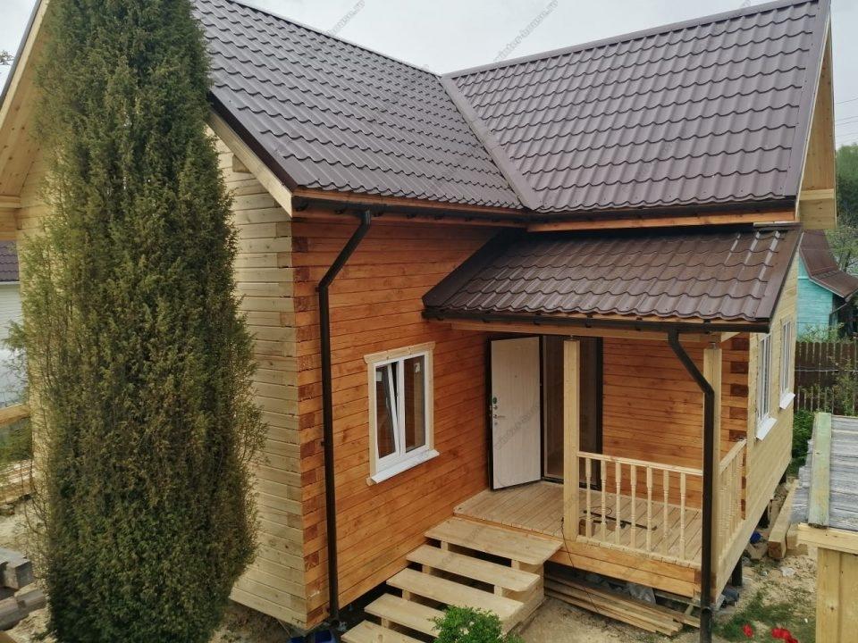 Фото двухэтажного дома 8х8 с с террасой