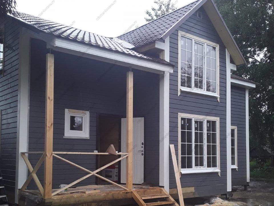 Построен красивый деревянный дом из бруса 8х10
