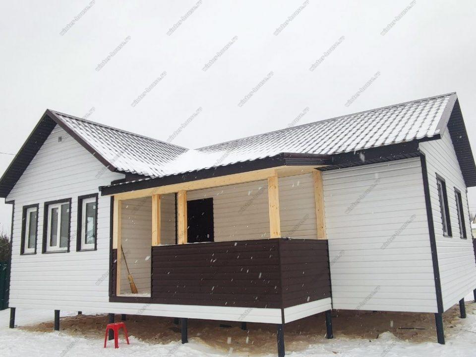 Небольшая терраса дома в один этаж каркасная технология Московская область